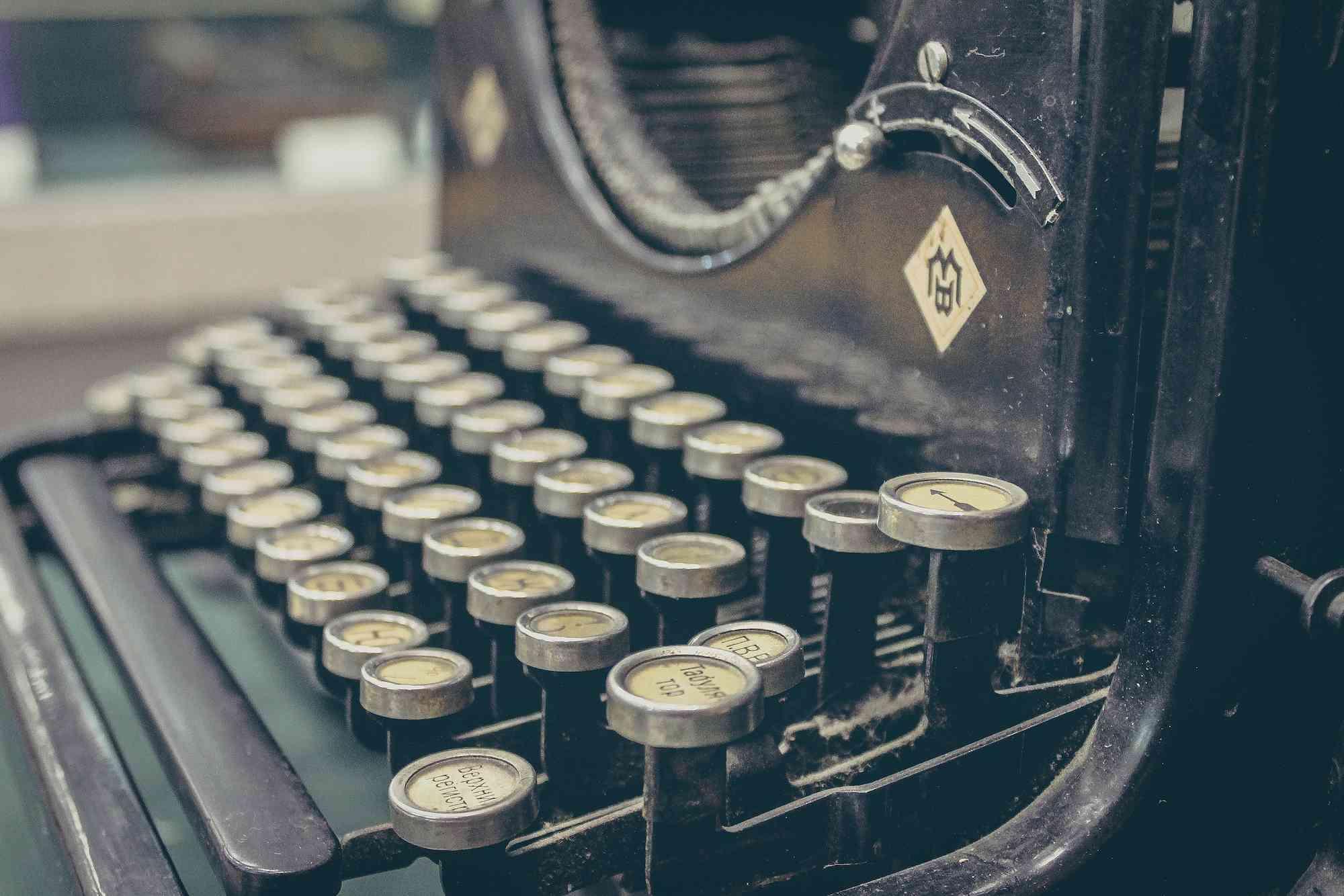 sergey-zolkin-typewriter-web